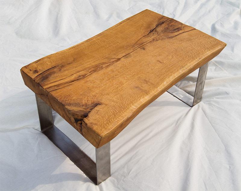 tische und herzen aus holz. Black Bedroom Furniture Sets. Home Design Ideas